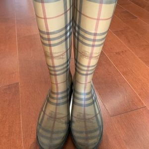 Burberry Rainboots (Size 39)